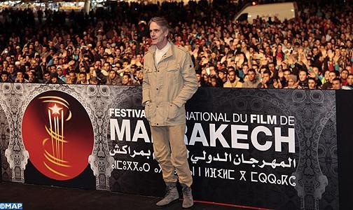 جيريمي أيرونز: المغرب محظوظ بملكية ضامنة لاستقراره