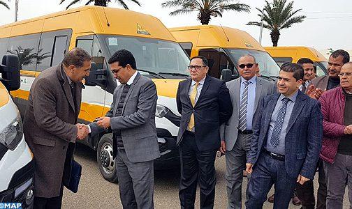 تسليم 4 حافلات للنقل المدرسي لبعض الجماعات بتاونات بقيمة 8ر1 مليون درهم
