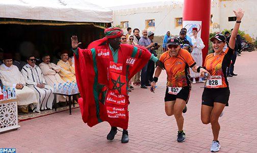 فوز الكيني كيبيوت كاندي والإثيوبية تيجي ميكونان تيسما بالسباق الدولي على الطريق بطرفاية