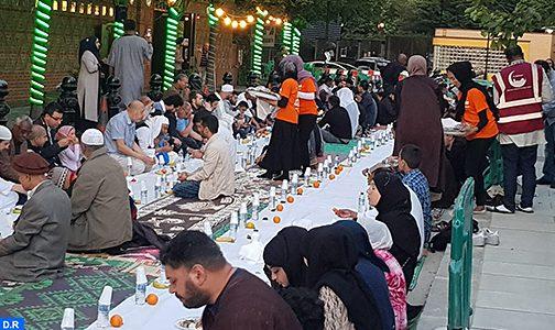 لندن : التئام ثقافات مختلفة في شهر الصيام ضمن أجواء روحانية ملؤها التآخي والتآزر