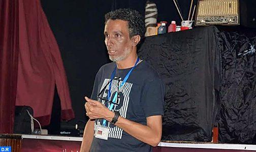 يوبا أوبركا… مبدع ينحت أحلامه على ضفاف المحيط بمير اللفت