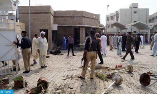 مقتل 6 أشخاص وإصابة 30 آخرين في انفجار شمال غرب باكستان