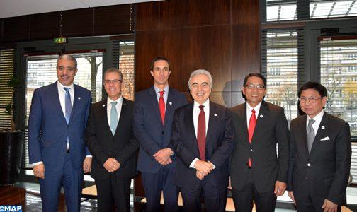 وزير الطاقة والمعادن والبيئة يشارك في المؤتمر الوزاري للوكالة الدولية للطاقة بباريس