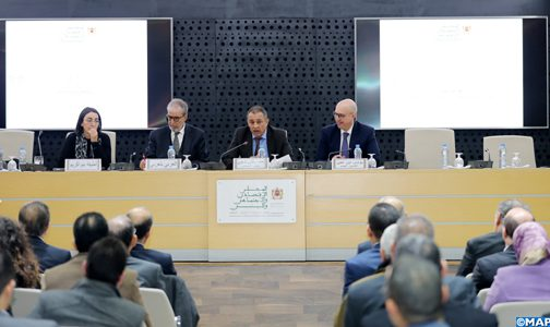 """الرباط.. تقديم دراسة """"العقار في المغرب: رافعة أساسية من أجل تحقيق التنمية المستدامة والإدماج الاجتماعي"""" للمجلس الاقتصادي والاجتماعي والبيئي"""