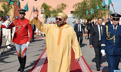 """أمير المؤمنين يؤدي صلاة الجمعة بـ""""مسجد أريحا"""" بمدينة مراكش"""