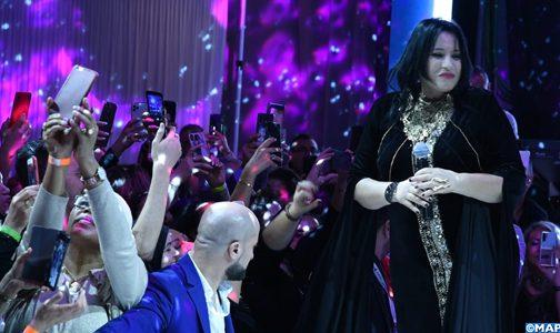 القفطان المغربي يتألق بكامل بهائه خلال عرض دولي للأزياء ببروكسيل