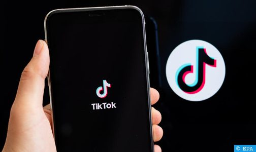 """تطبيق """"تيك توك"""" يتخذ إجراءات لحماية مستخدميه القاصرين"""