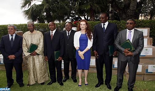 SAR la Princesse Lalla Salma préside une cérémonie de remise d'un don destiné aux enfants atteints de cancer en Afrique
