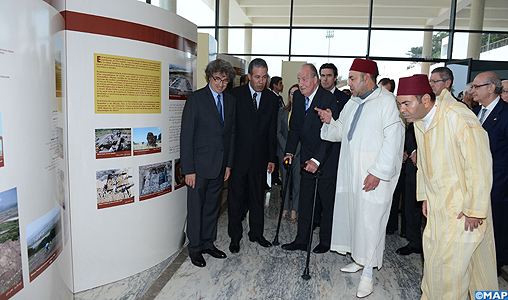 """SM le Roi et le Souverain espagnol inaugurent l'exposition """"25 années de coopération archéologique maroco-espagnole"""""""