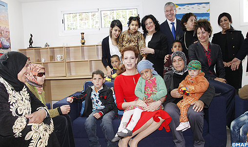 SAR La Princesse Lalla Salma visite la Maison de l'Avenir à Rabat