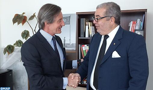 M. Khalil Hachimi Idrissi s'entretient au siège de l'ONU avec le Secrétaire général adjoint des Nations Unies chargé de l'information