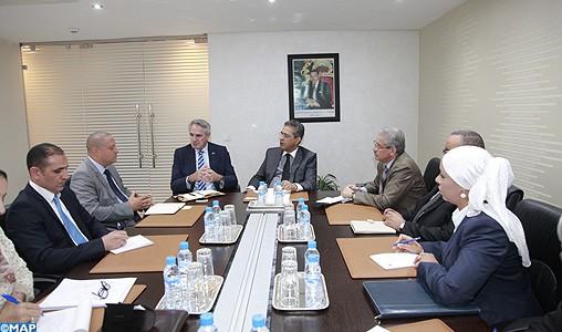 M. Merroun s'entretient avec le Haut-Commissaire australien au Commerce des moyens de renforcer la coopération bilatérale en matière de développement durable