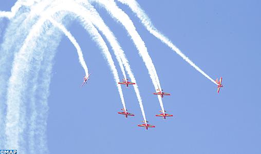 """La prestigieuse équipe de voltige """"Marche Verte"""" des Forces Royales Air fait sensation sur la baie de Bouregreg"""