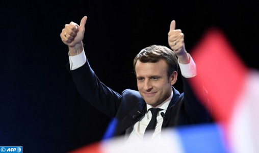 """Emmanuel Macron fait l'éloge du modèle suédois comme """"une véritable source d'inspiration"""""""