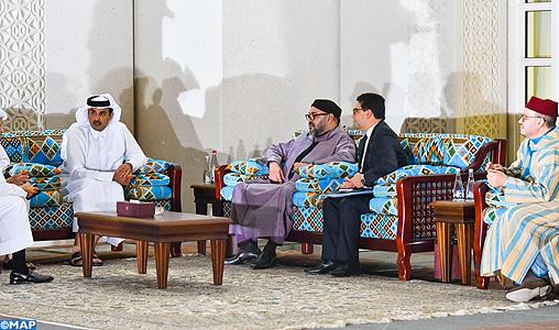 SM le Roi s'entretient à Doha avec l'Emir du Qatar