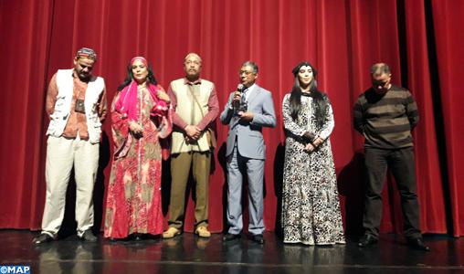 "La troupe théâtrale marocaine ""Mechkal kaléidoscope"" se produit à Dakar"