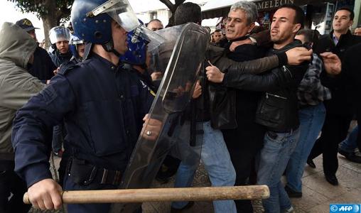 La Ligue algérienne des droits de l'Homme dénonce la répression brutale de la marche des médecins résidents