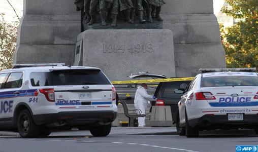 Une fourgonnette fonce à pleine vitesse sur des piétons à Toronto: Neuf morts et 16 blessés