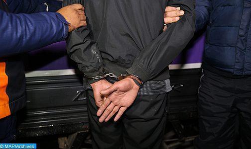 Nador : Arrestation d'un individu objet de multiples avis de recherche pour trafic de drogue et de boissons alcoolisées de contrebande