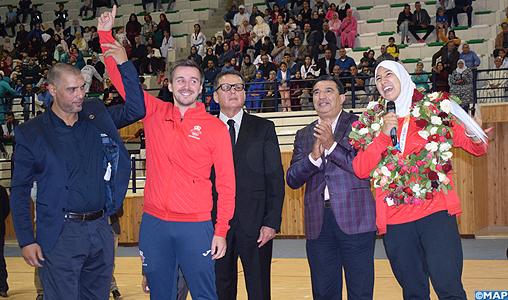 La médaillée d'or au taekwondo aux JOJ de Buenos Aires Fatima-Zahra Aboufaras fêtée par les siens à Fquih Ben Saleh