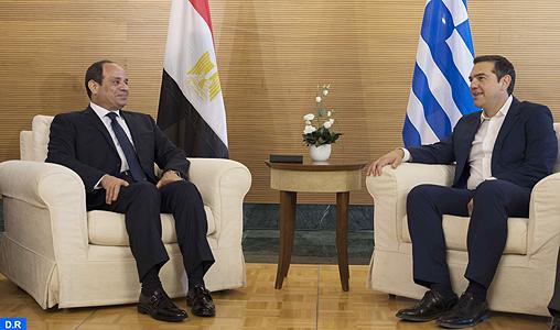Le président égyptien souligne l'importance de mettre en œuvre l'accord de Skhirat pour parvenir à un règlement de la crise libyenne