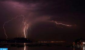 Averses orageuses localement fortes dimanche et lundi dans plusieurs régions du sud du Royaume