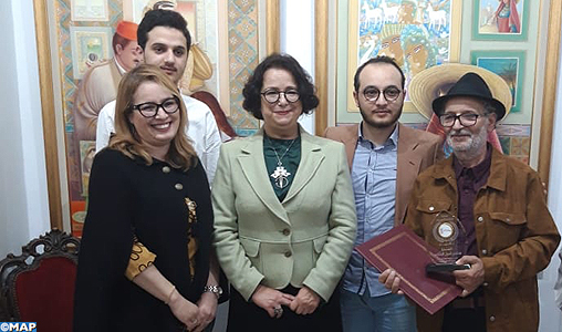 Des artistes marocains participent à Tunis à une exposition d'art plastique maghrébin