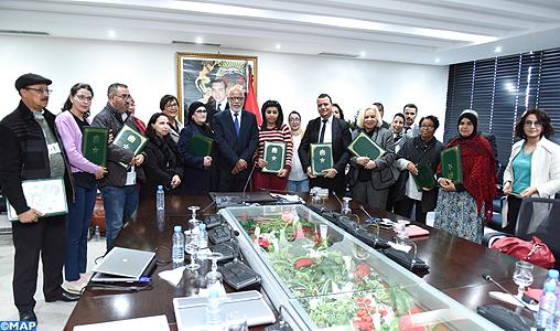 Travail des enfants et droits de la femme : le ministère de l'Emploi signe des conventions de partenariat avec 13 associations