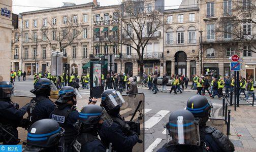 «Gilets jaunes» : mobilisation en hausse, violence en régression