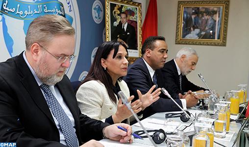 """Droits de l'Homme: Mme Bouayach présente son approche """"holistique"""" devant une pléiade d'ambassadeurs accrédités au Maroc"""