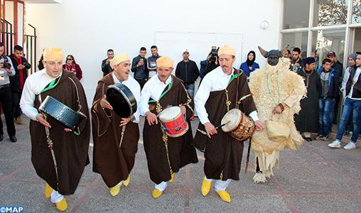 """Festival """"Bachikh"""": une performance haute en couleur au Nouvel an amazigh"""