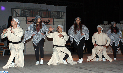 Oujda : un spectacle artistique palestinien pluridisciplinaire enchante le public