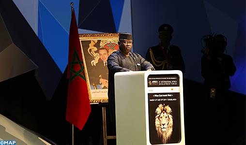 Le président de Sierra Leone salue le leadership de SM le Roi en faveur du développement de l'Afrique