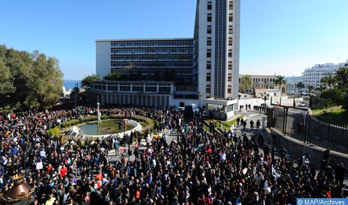 Une marée humaine marche à Alger contre le 5è mandat