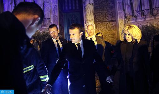 Violent incendie à la cathédrale Notre-Dame de Paris : le feu baisse en intensité, un long travail de refroidissement est envisagé