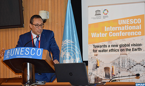 Abdelkader Amara prend part à Paris à une conférence de haut niveau sur le défi de l'accès à l'Eau