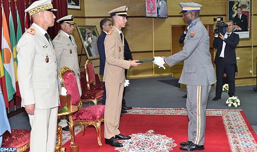 SAR le Prince Héritier Moulay El Hassan préside à Kénitra la cérémonie de sortie de la 19è promotion du Cours supérieur de défense et de la 53è promotion du Cours État-Major