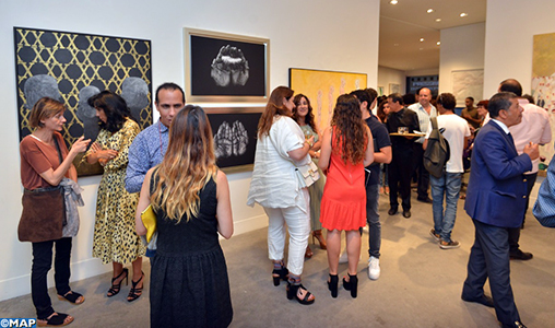 """Vernissage à Casablanca de l'exposition collective """"Vingt ans, une œuvre"""""""
