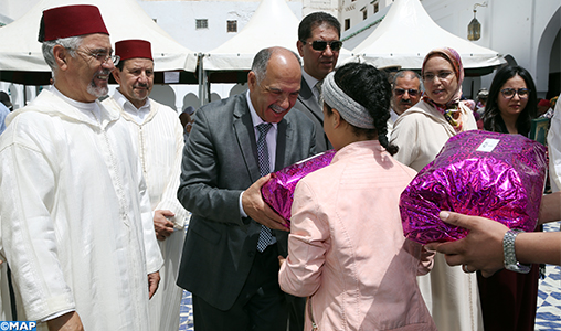 Moulay Driss Zerhoun : Don royal au profit de familles nécessiteuses