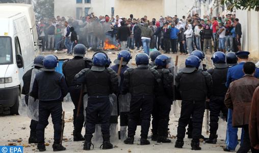 Deux personnes tuées dans des affrontements avec la police à l'ouest de l'Algérie