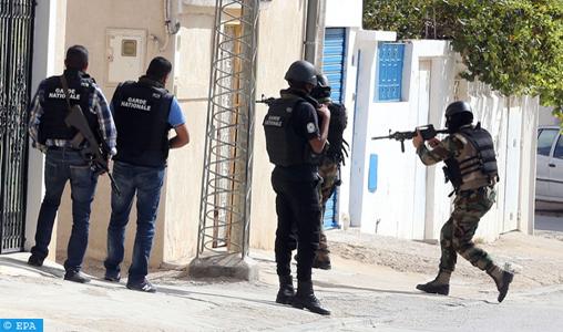 Quatre morts lors d'un échange de tirs entre la police et des terroristes dans le centre-ouest de la Tunisie