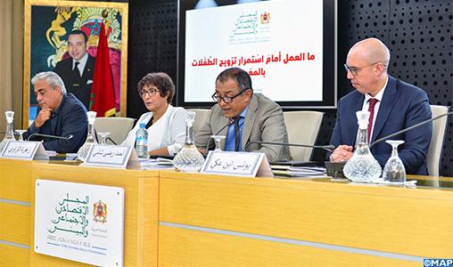 Le CESE appelle à accélérer l'éradication de la pratique du mariage d'enfants