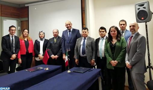 Signature d'un mémorandum d'entente relatif aux services aériens entre le Maroc et le Mexique