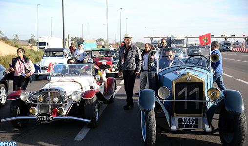 Salon du cheval d'El Jadida: les voitures classiques se mettent en scène