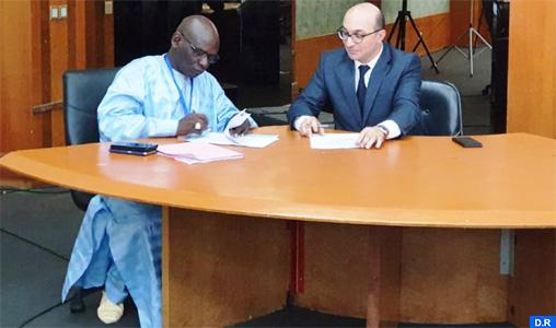 Signature à Dakar d'une convention entre l'Ordre national des ingénieurs géomètres topographes du Maroc et son homologue sénégalais