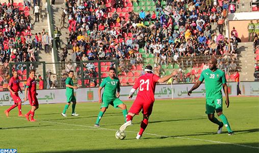 Marche Verte: des légendes du foot à Laâyoune
