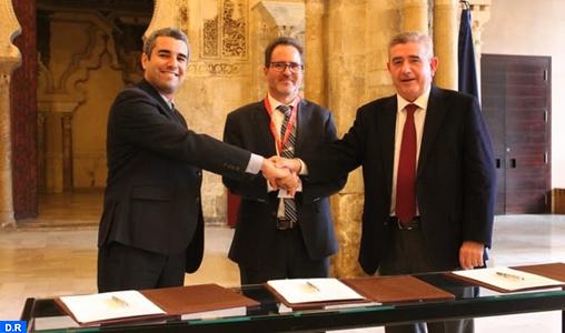 Espagne: signature d'un accord de partenariat entre l'UM6P, le groupe OCP et Fertinagro Biotech pour une agriculture durable