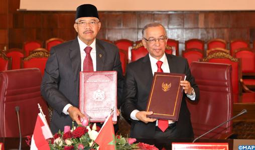 Le CSPJ et la Cour Suprême d'Indonésie signent un memorandum d'entente dans le domaine judiciaire