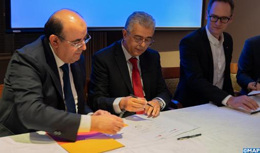 Signature à Montréal d'un accord de partenariat entre Attijariwafa Bank et la Banque nationale du Canada