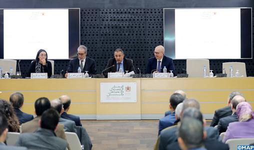 """Présentation à Rabat de l'étude """"Le Foncier au Maroc : un levier fondamental pour le développement durable et l'inclusion sociale"""" du CESE"""